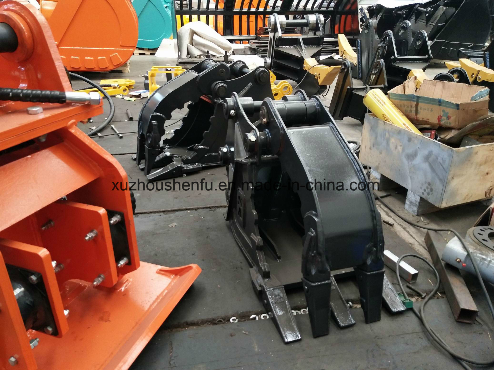 Sf Excavator Attachments Kubota U55-4 5ton Hydraulic Grab Bucket for Sale pictures & photos