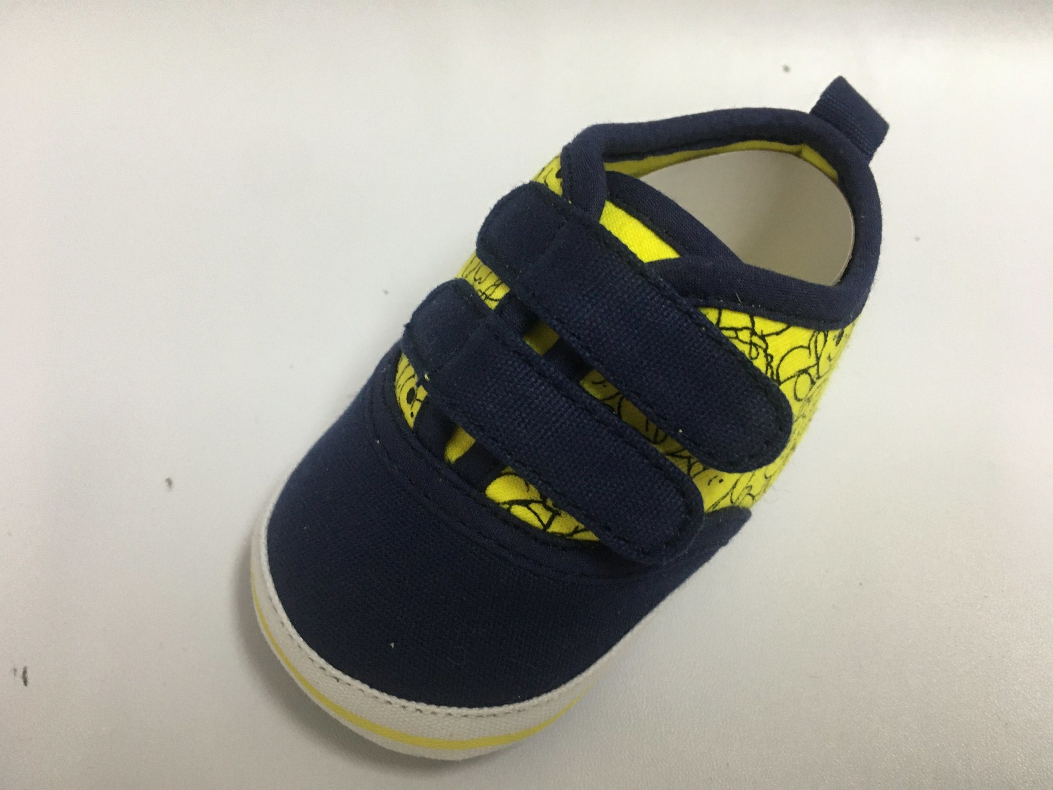 China Baby Shoes Kids Shoes Prewalker