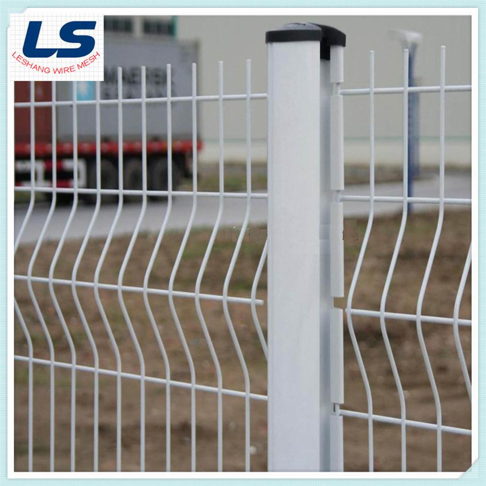China Wire Mesh Fence 50X200mm - China Wire Mesh Fence, Triangular ...