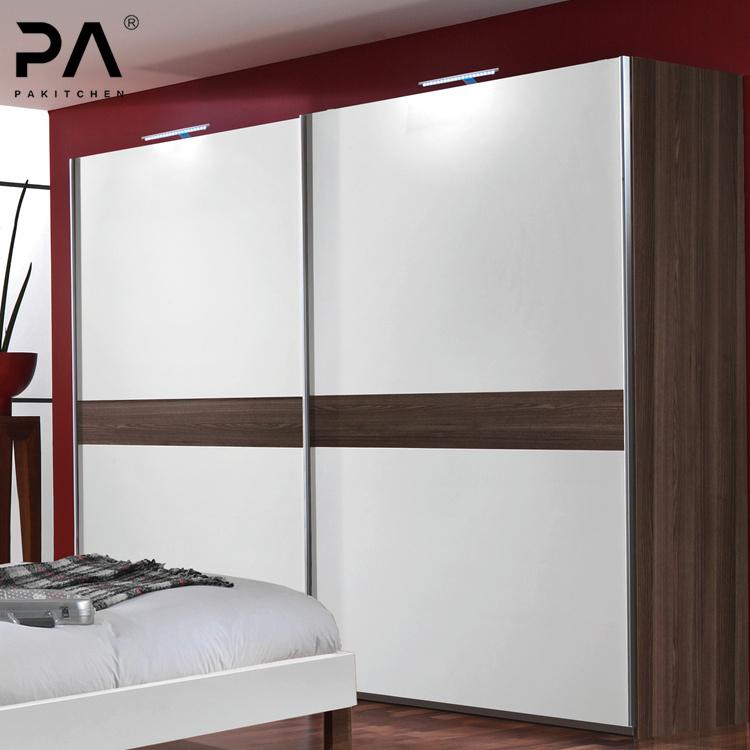 China Custom Low Price Modern Modular Wardrobe Swing Door Cabinet