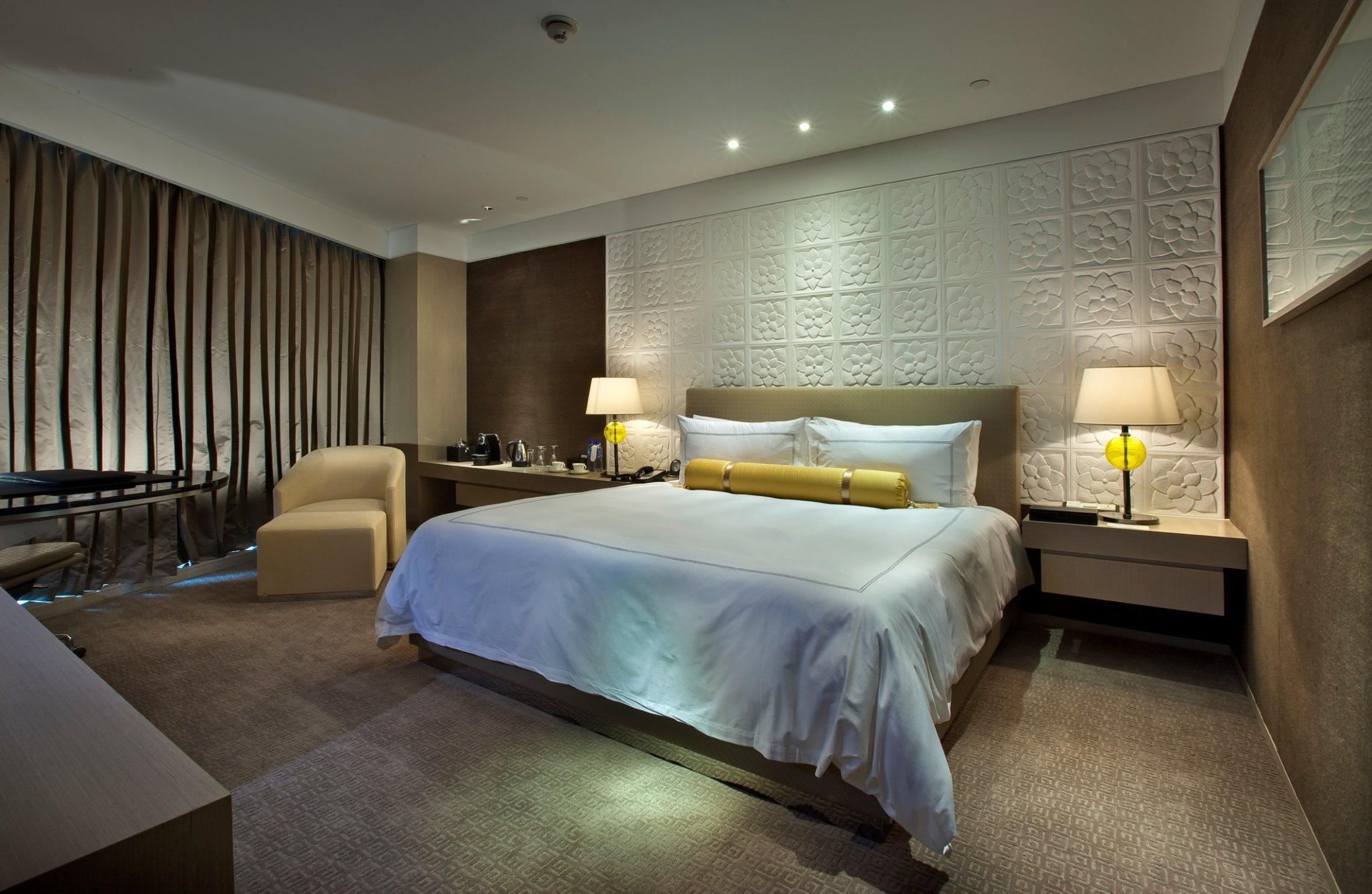China 5 star hotel modern bedroom furniture hilton hotel furniture standard hotel kingsize for Hospitality bedroom furniture