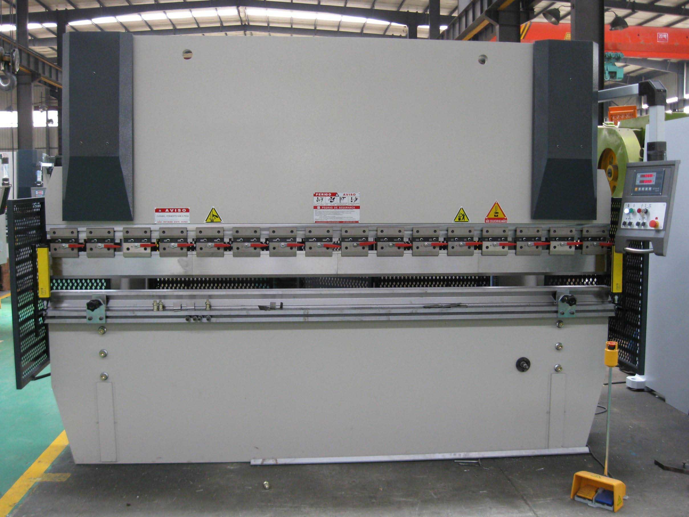 Nc Hydraulic Press Brake (WC67K-250T3200 wtih E10)