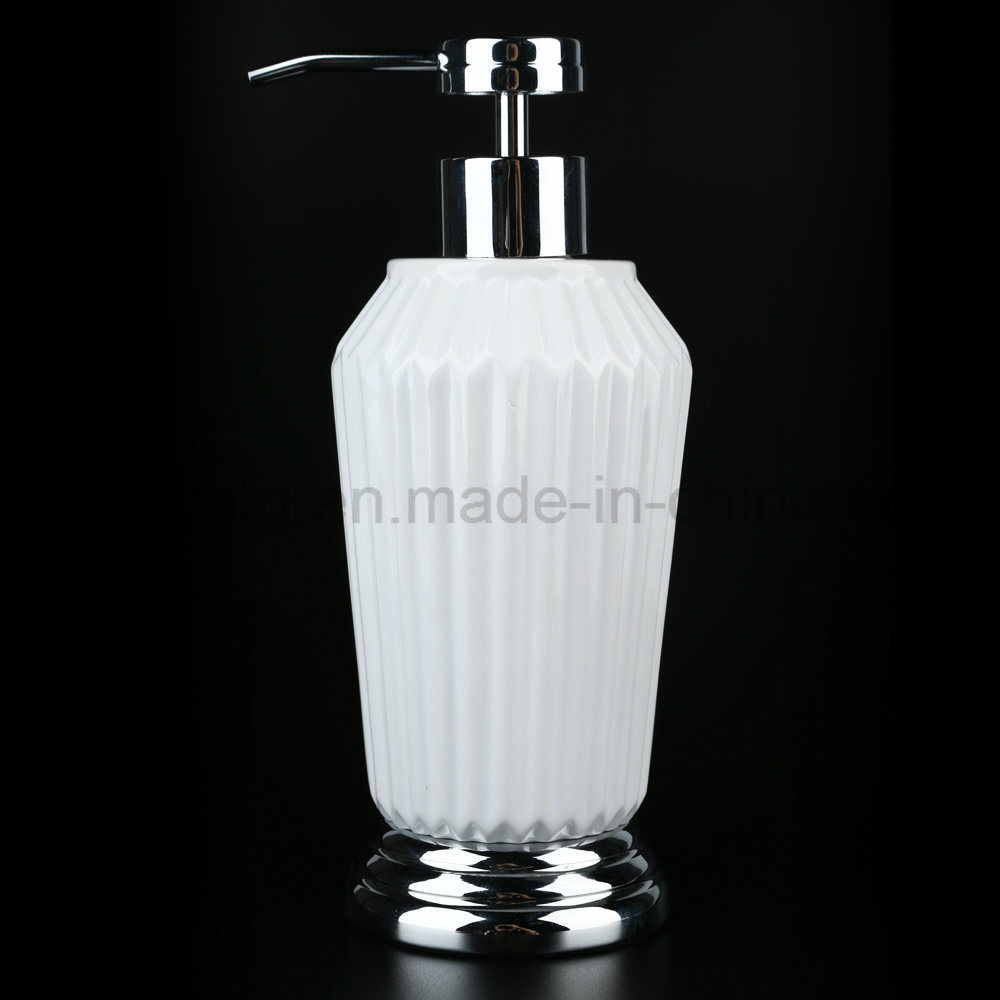 Glossy White Ceramic Bath Accessories with Hotel / Home Bathroom Set pictures & photos