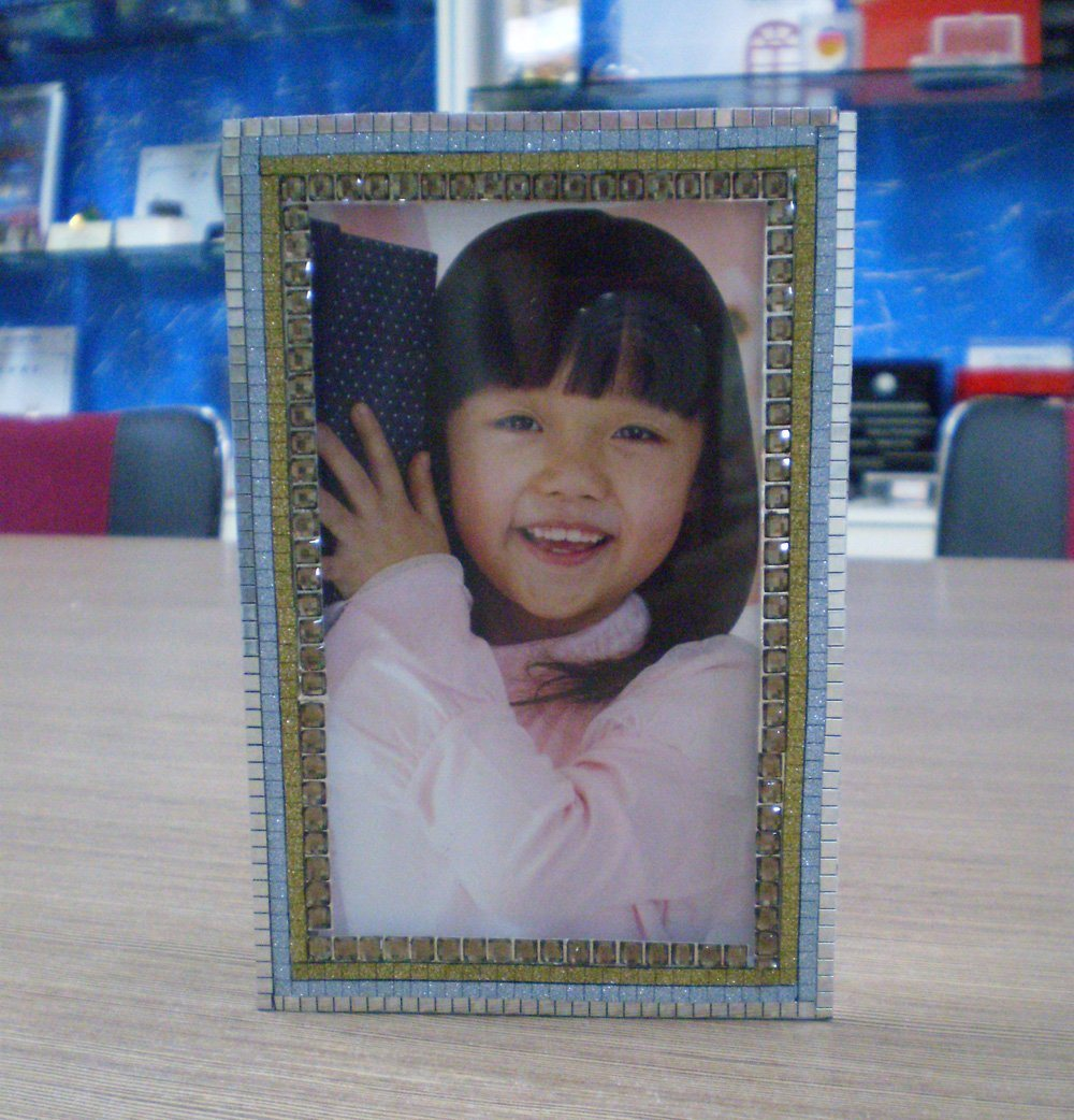 China Customize Ad-131 Magnetic Clear Acrylic Photo Frame - China ...