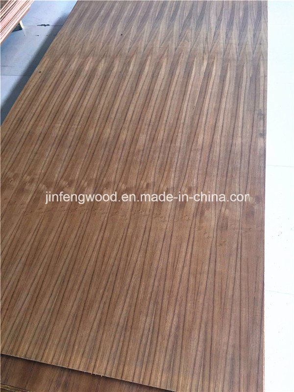 First Grade Natural Walnut/ Red Oak/ Teak/ Veneered MDF pictures & photos
