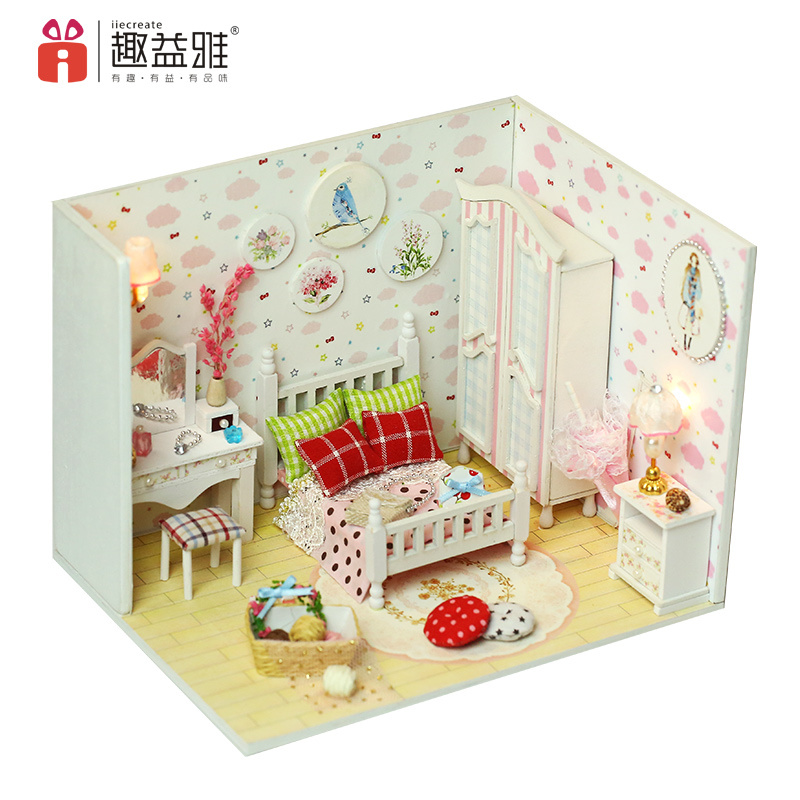 China Factory Price With Light And Furniture Doll House Furniture
