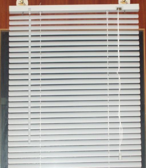 White 50mm Pvc Venetian Blinds With Flat Slats For Window