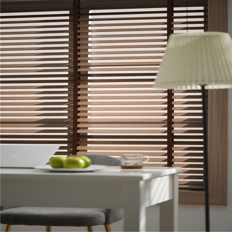 China Custom Size Basic Vertical Blinds White Venetian Blind with Stunning  Features - China Venetian Blinds, Wooden Venetian Blinds