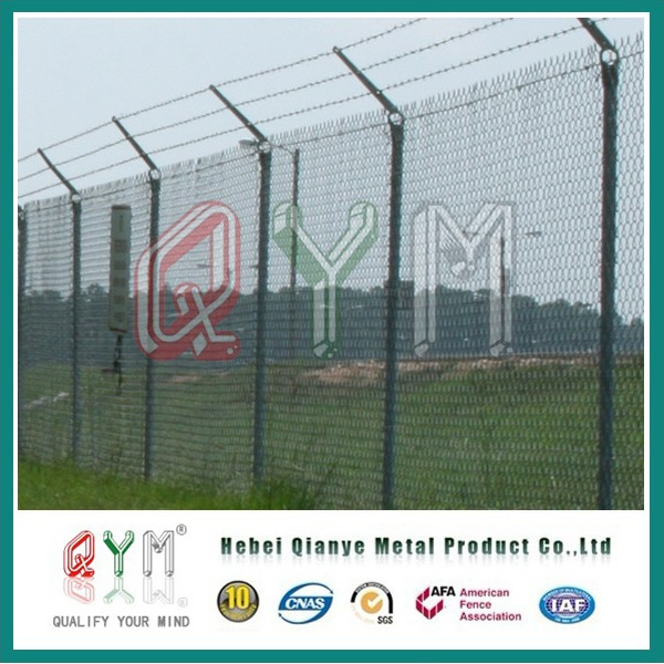 China PVC Coated Y Fence Post Airport Security Wire Mesh Fence ...