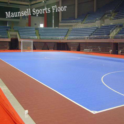 Indoor PVC and PP Interlock Sports Floor for Soccer / Futsal Court pictures & photos