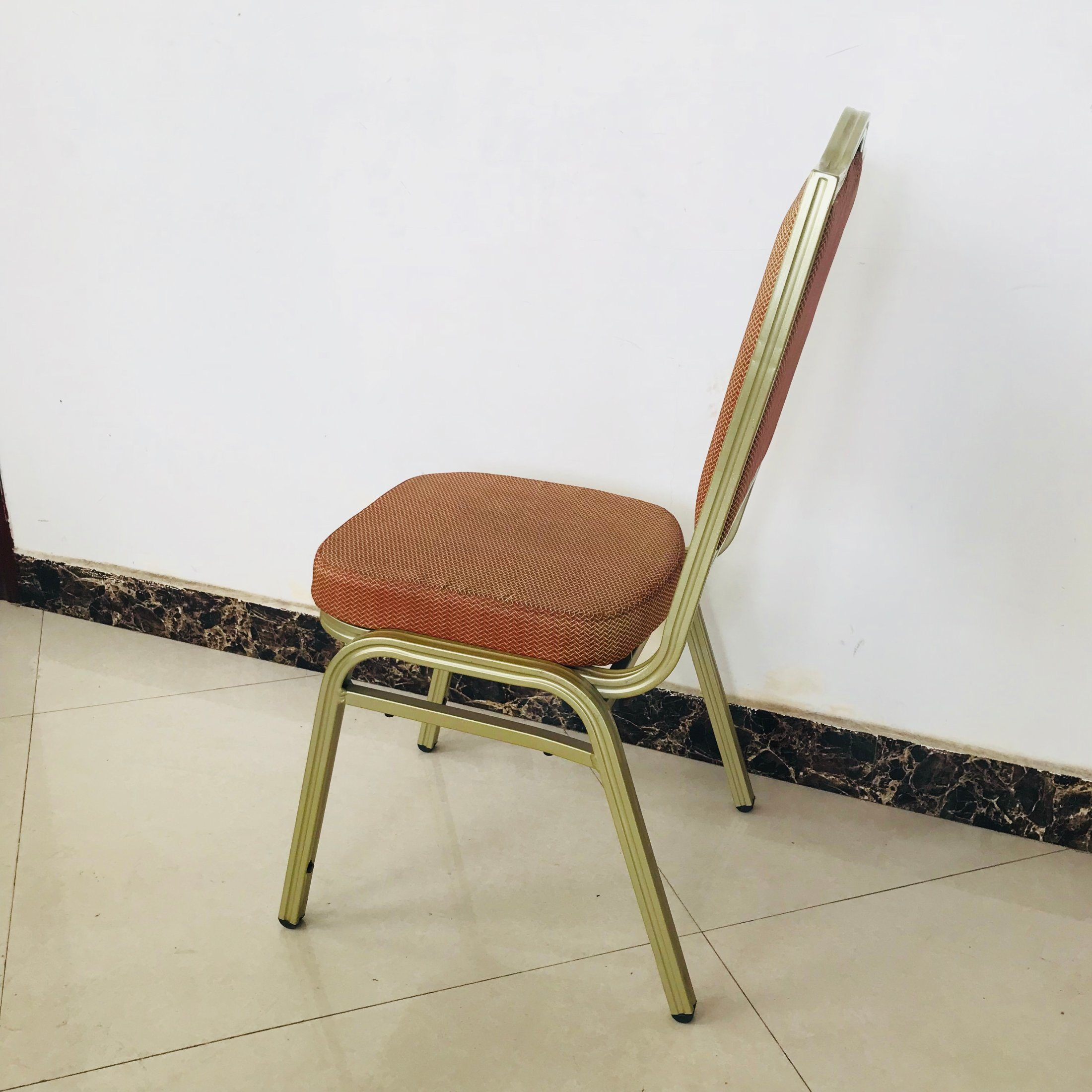 China Simple Modern Hotel Banquet Chairs Stackable Metal
