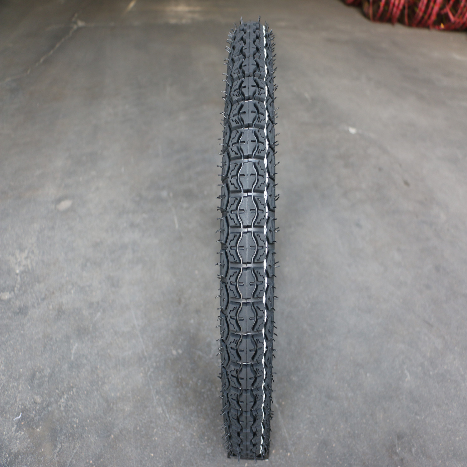 Hot Sale Motorcycle Tire for Dubai Market (275-14) pictures & photos