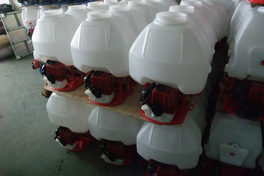 Backpack Gasoline Power Sprayer with 25L Tank (3WZ-900) pictures & photos