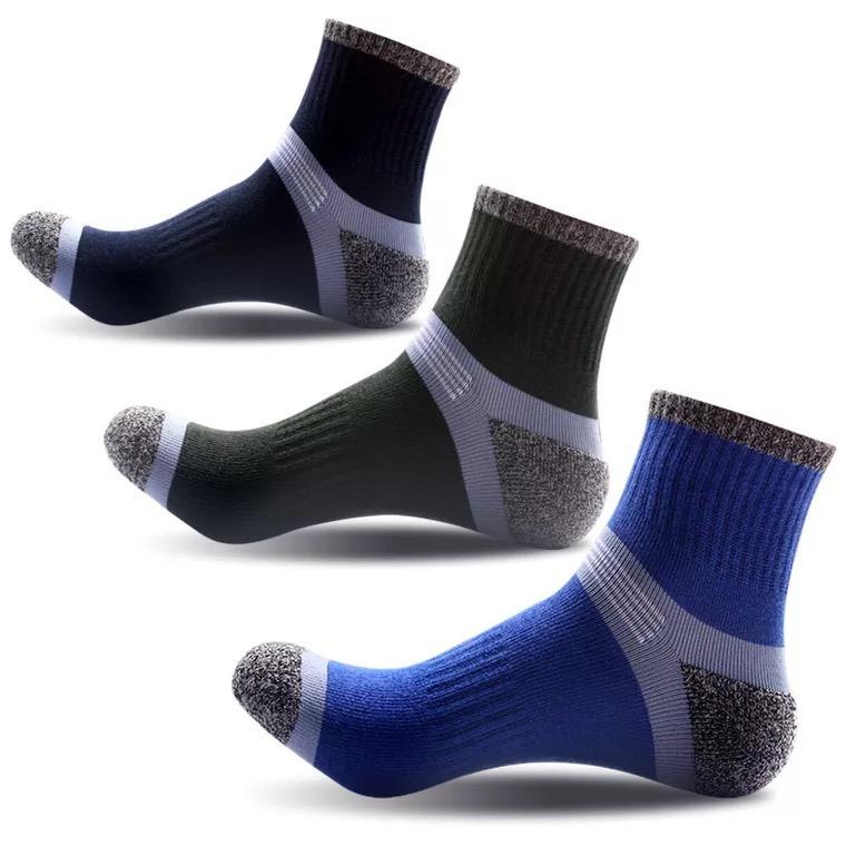71a577867d4 China Best Selling Hot Design Cheap Hiking Sports Socks - China Sports Socks  Men