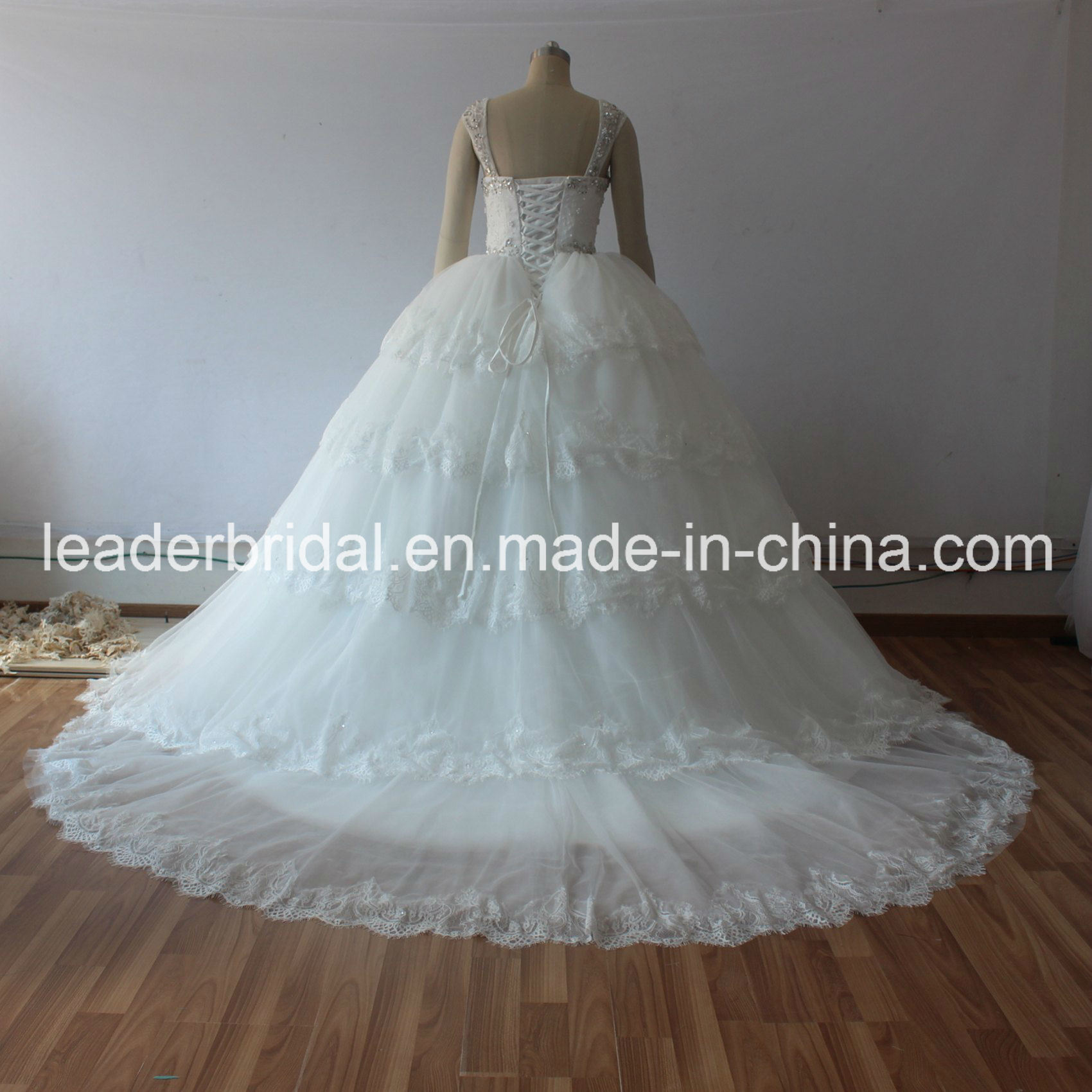 China Real Photo Wedding Gowns Lace Tulle Tiered Puffy Bridal ...