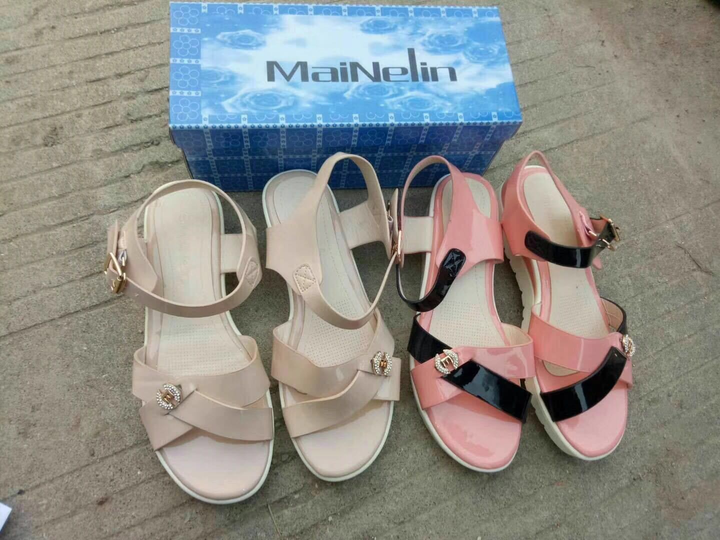 China Women Sandals and Ladies Sandals