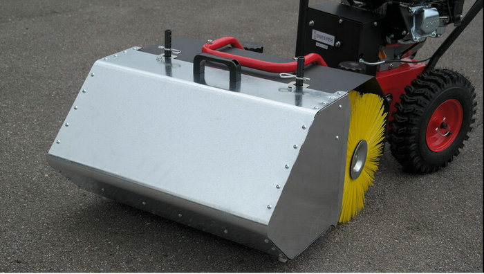 6.5HP 31.5inch Width Gasoline Sweeper pictures & photos