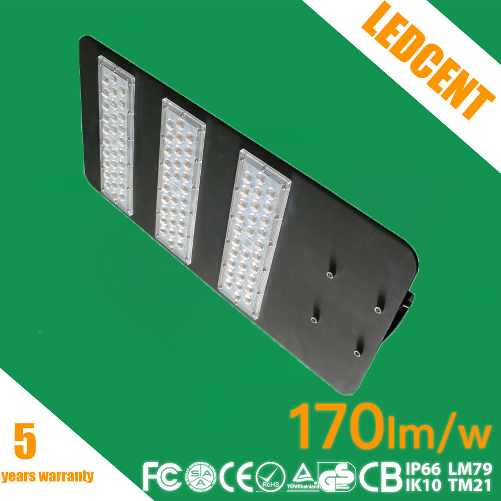 IP67 Ik08 Ce RoHS FCC Listed LED Street Light with 5 Years Warranty