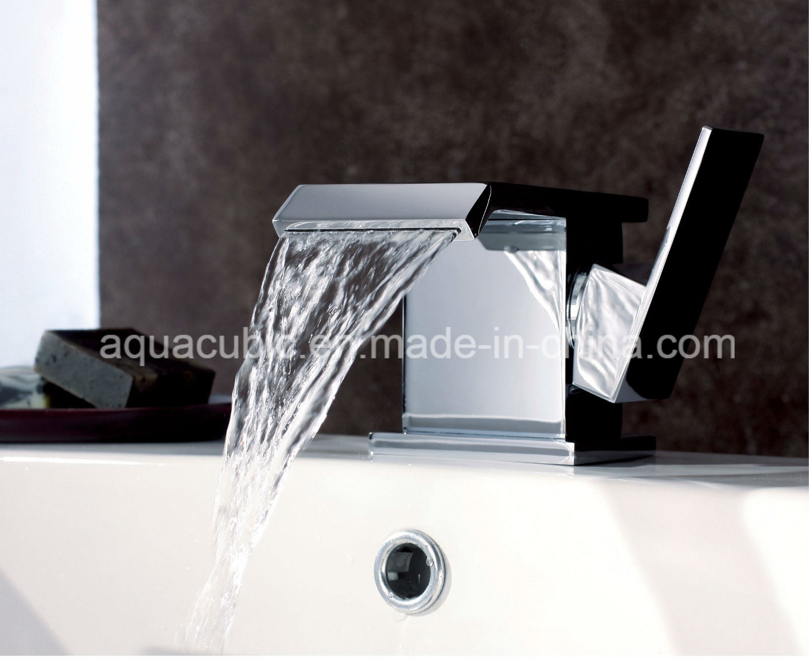 Sanitary Ware Brass Chromed Bathroom Basin Tap (AF6090-6) pictures & photos