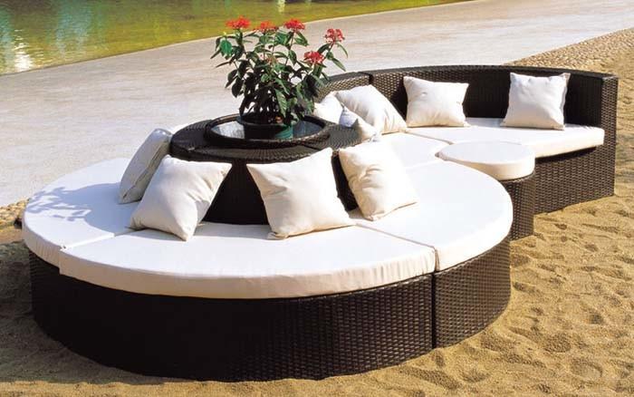 China Pe Rattan Furniture Curved Sofa