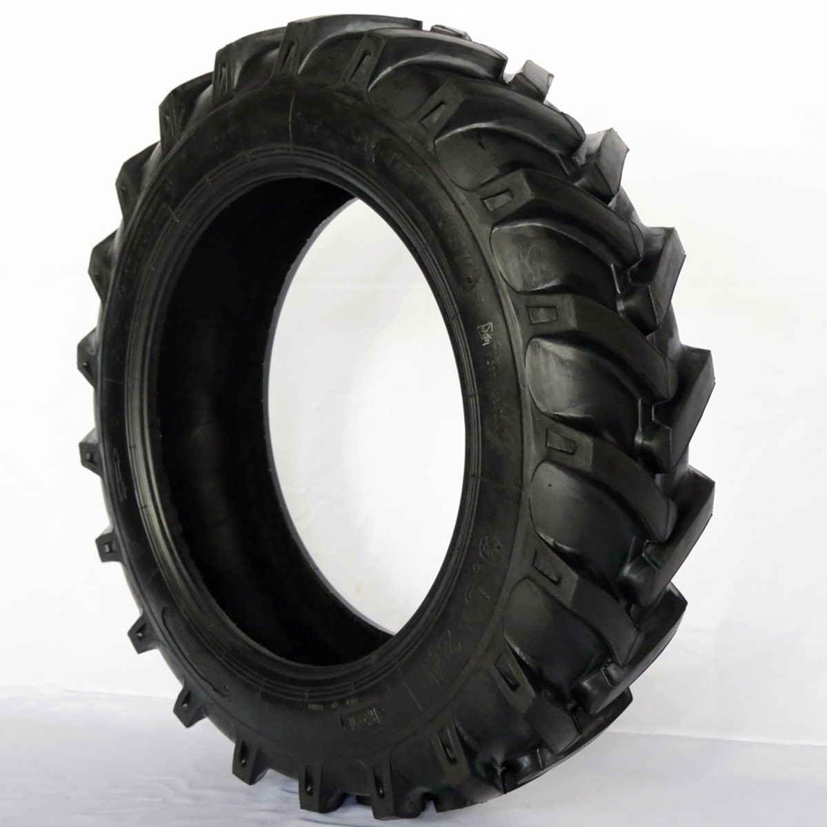 China R1 Bias Nylon Agricultural Tyre Agr Tractor Farm