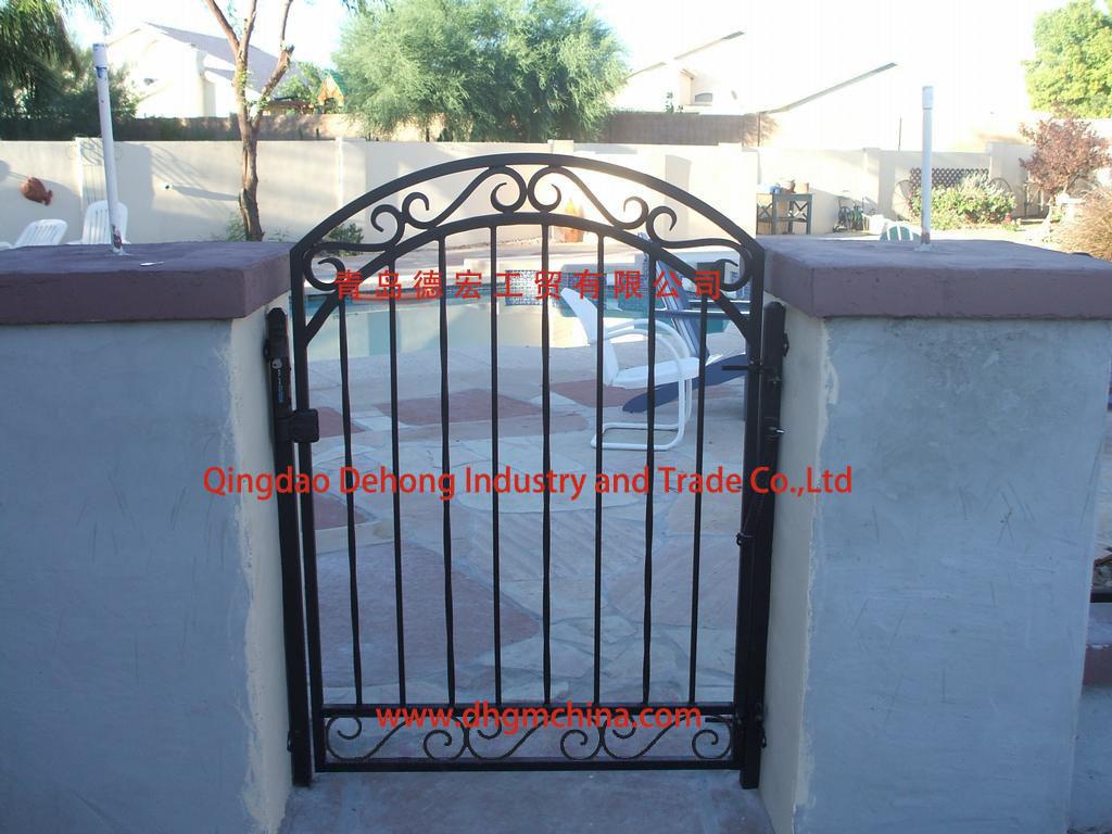 China Elegant Ornamental Small Metal Gate/Side Gate/Side