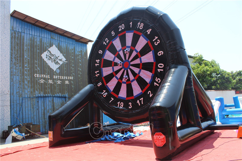 2 Side Giant Inflatable Football Dart Board Chsp527 pictures & photos
