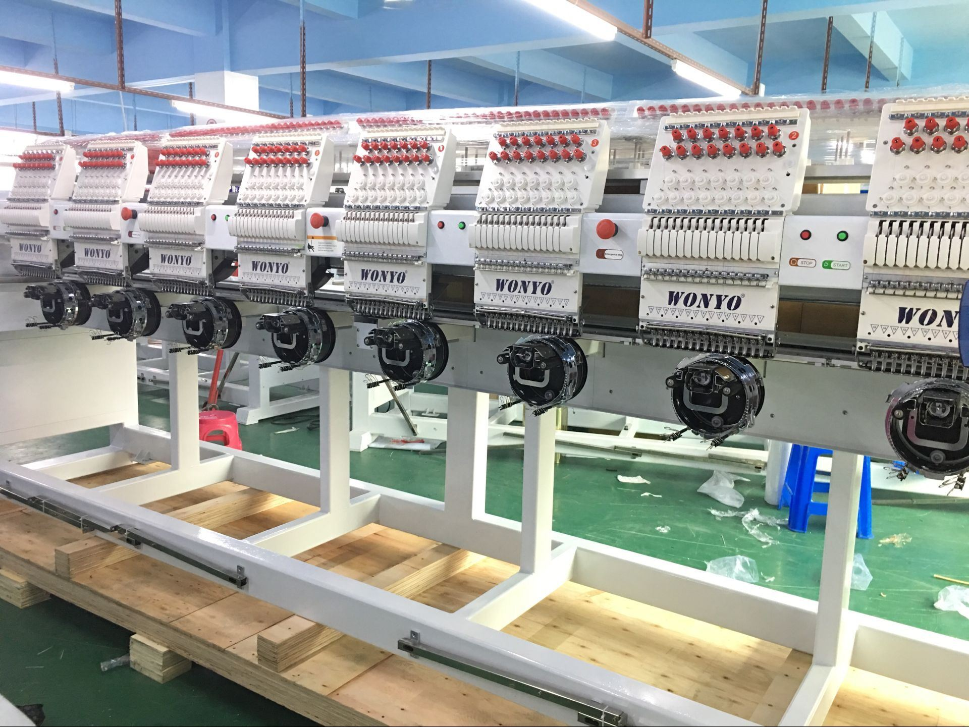 China 2019 New Commercial 8 Head Tubular Embroidery Machine For
