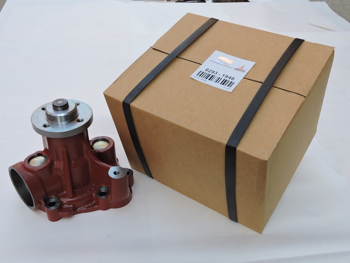 China Deutz Engine Parts For Used Coolant Pump Brown 02931946