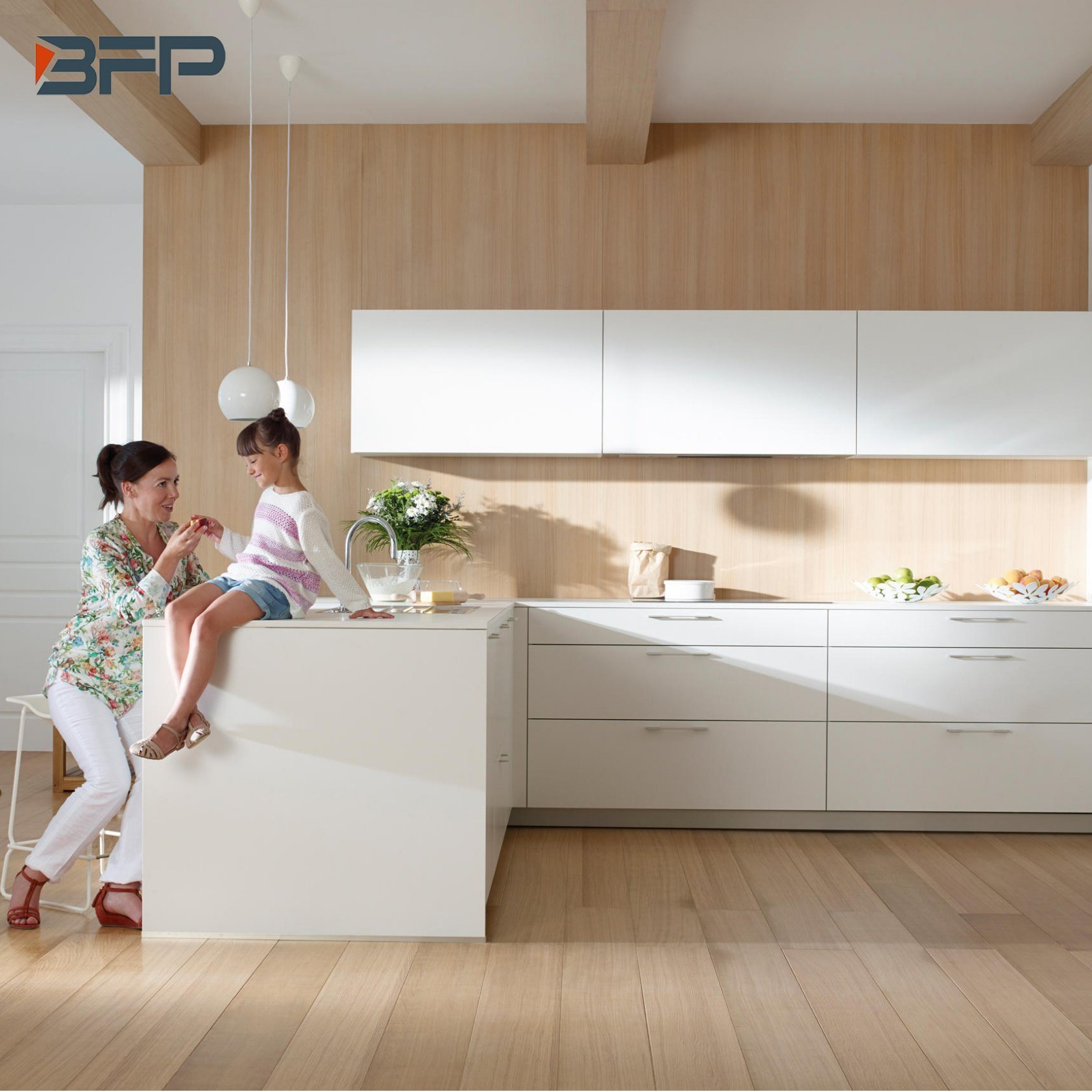 China High Quality Lower Price Lacquer Kitchen Cabinets ...