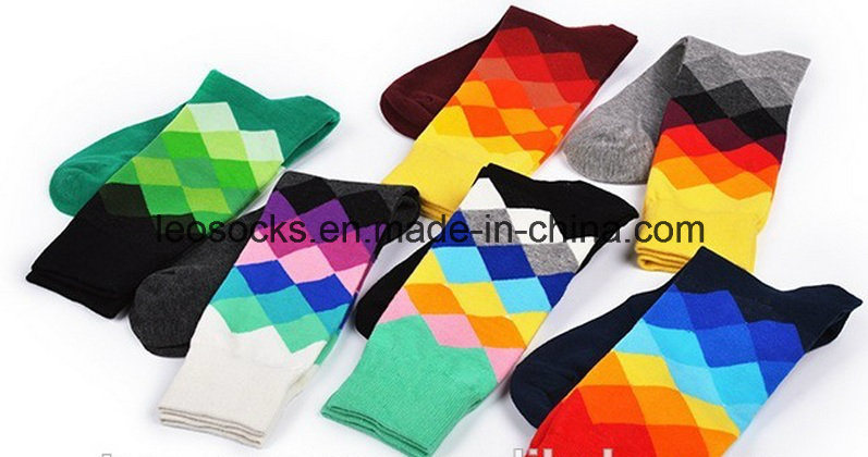 High Quality Mens Busniess Cotton Happy Dress Socks pictures & photos