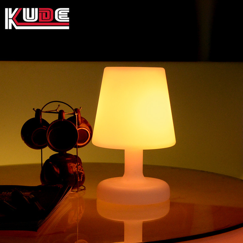 China Led Touch Bedside Table Lamps Indoor Battery Operated