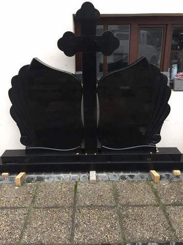 Black Granite Cross Grave Monument pictures & photos