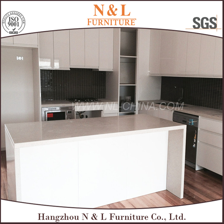 N&L High Quality Lacquer Kitchen Cabinet Door pictures & photos