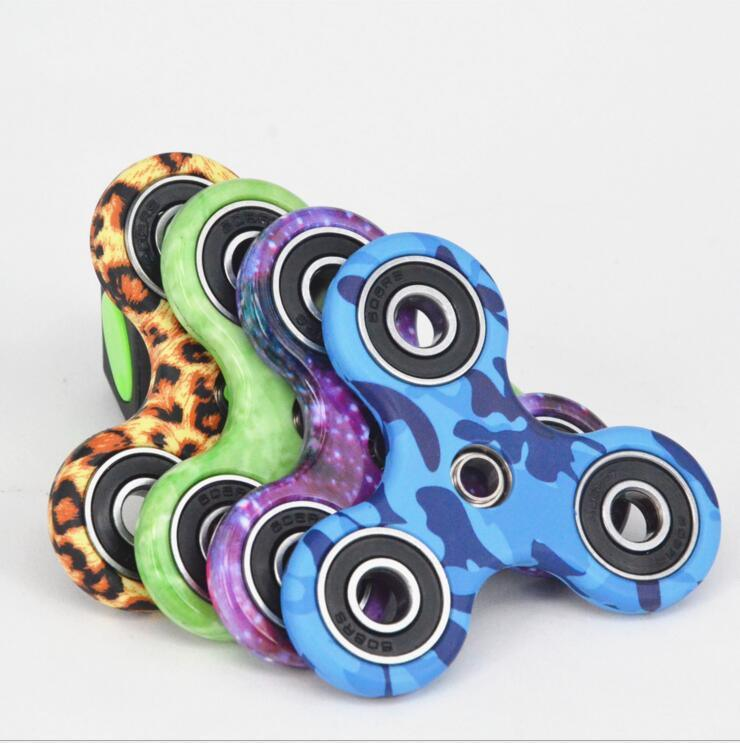 Hot Sale Plastic Hand Fidget Spinner Toy with OEM Color pictures & photos