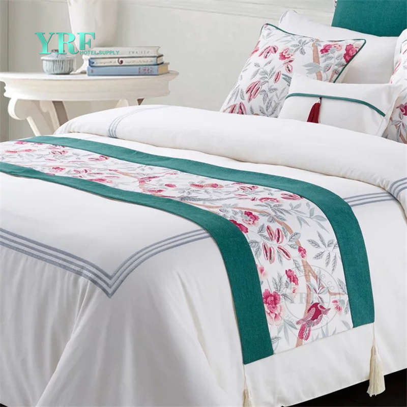 China Fashion Bedding Set Designs Luxury Hotel Decorative Bed Runner    China King Bed Runner, Cheap Bed Runner