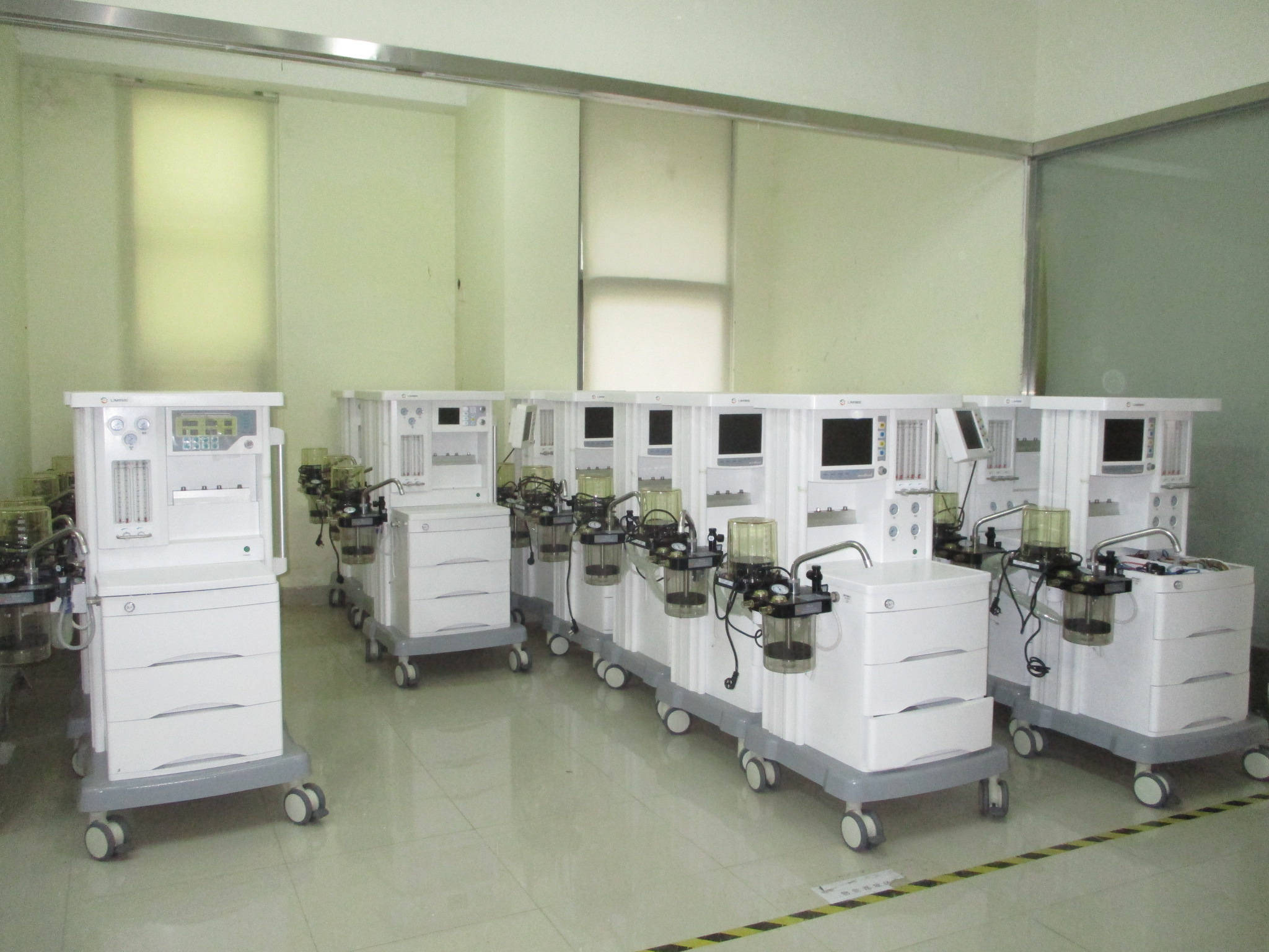 General Medical Anaesthesia/Anesthesia Machine Ljm9500 with Ce Certificate pictures & photos