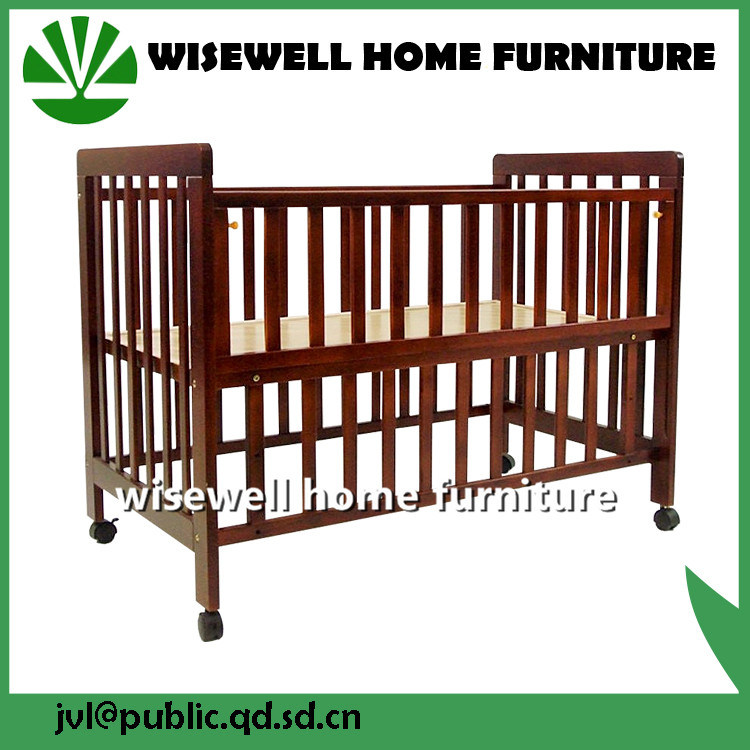 Moder Style Pine Wood Infant Crib pictures & photos