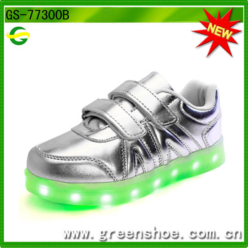 Newest Baby Kids Shoes with LED Light for 2017 Ss pictures & photos