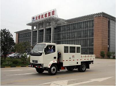 Explosion-Proof Passenger and Cargo Dual-Function Vehicle