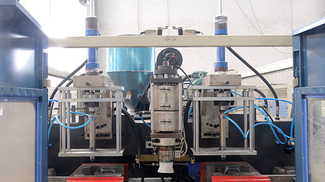 HDPE Bottle Extrusion Blow Molding Machine Manufacturers pictures & photos