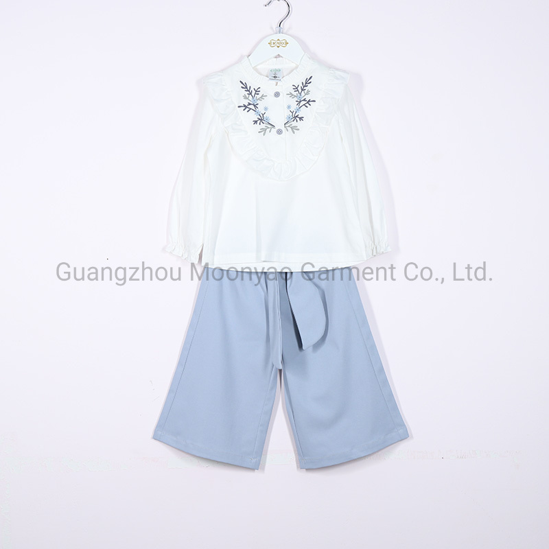 White Flower Embroidery Blouse Shirt with Shorts Suit for Kids Children Girl pictures & photos