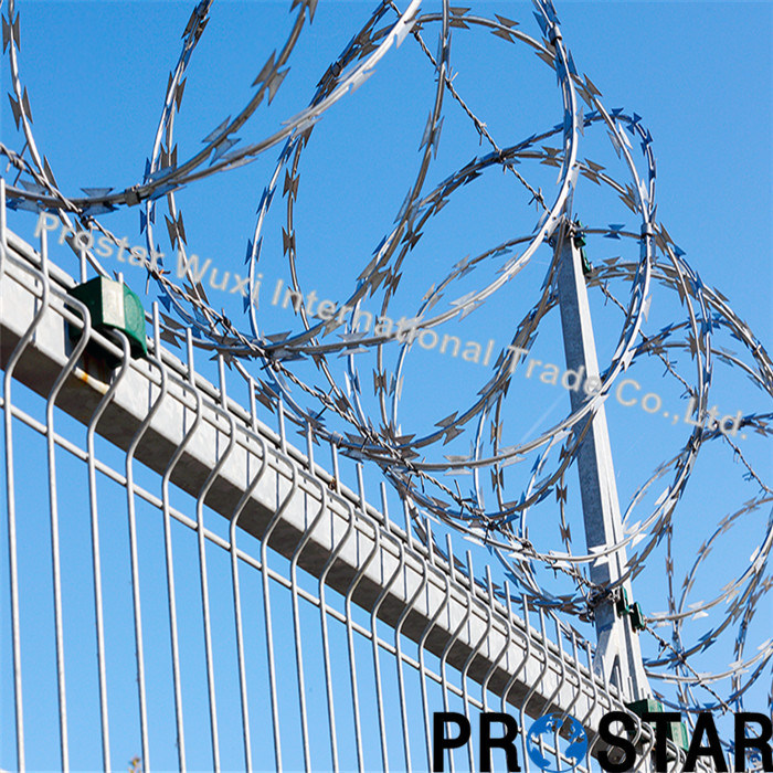 China Security Fence Single Coil Concertina Razor Barbed Wire ...