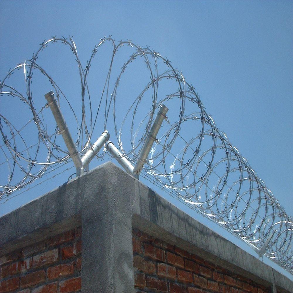 China Cheap Galvanized Razor Wire/Concertina Wire - China Barbed ...