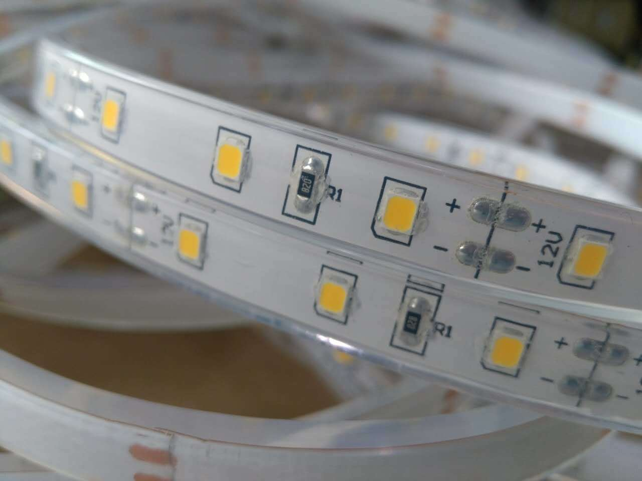 Hot Item Ip68 Waterproof 2835 60led 12v Led Strip Lighting