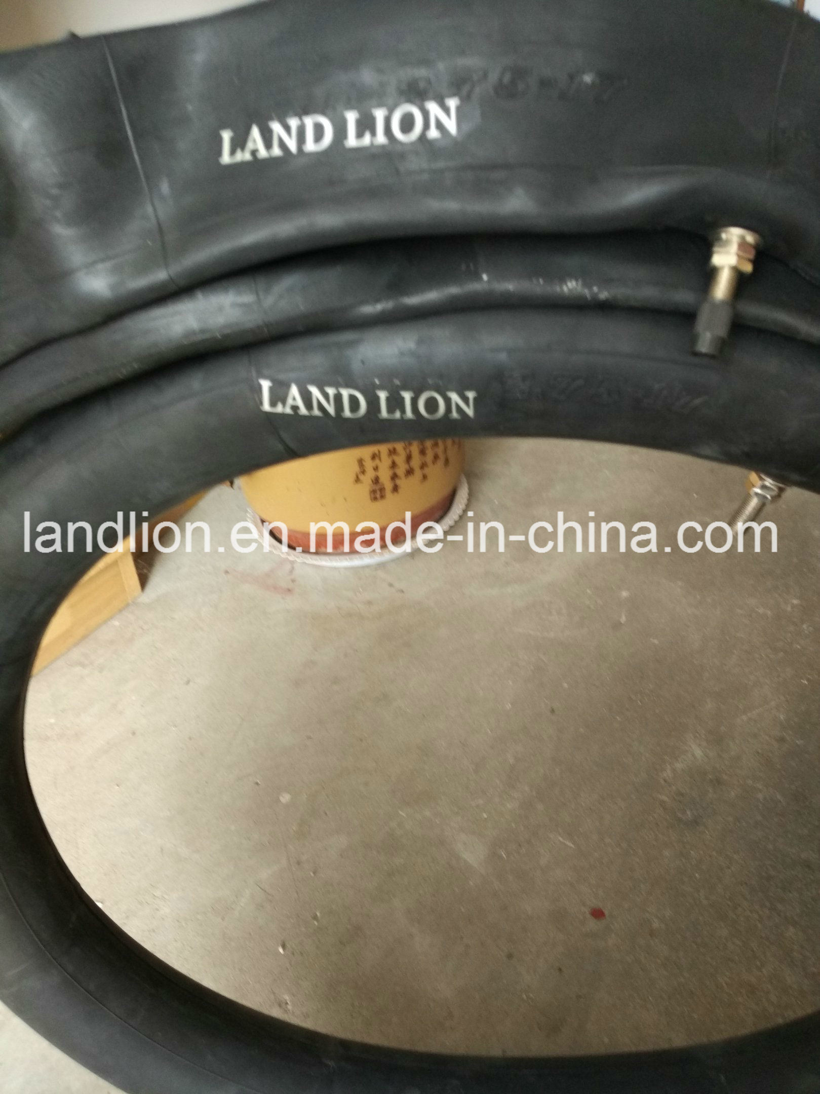 Factory Land Lion Excellent Quality with Best Price3.00-16, 2.50-17 pictures & photos
