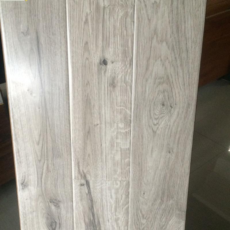 China Nature Grain White Color Good Quality Best Laminate Flooring Laminated