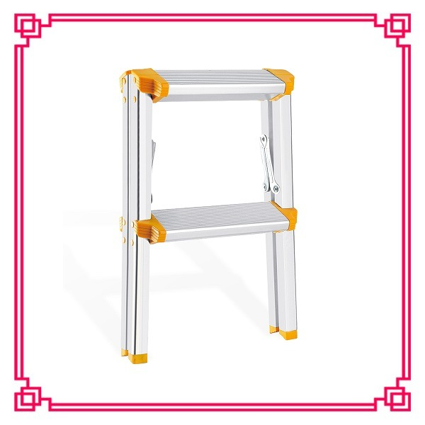 Household Step Stool Ladder /Aluminium Step Stairs pictures & photos