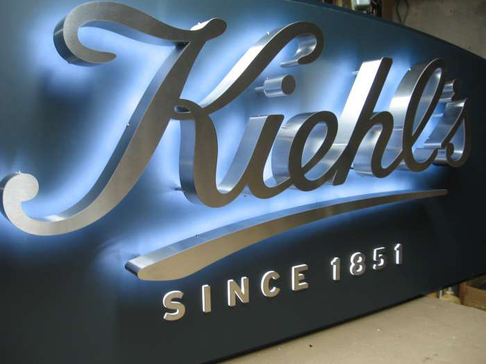 [Hot Item] 3D Business Halo Backlit LED Sign Letters Channel Letters  Waterproof Stainless Steel 3D Signs Logos Channel Letters Customized Signage