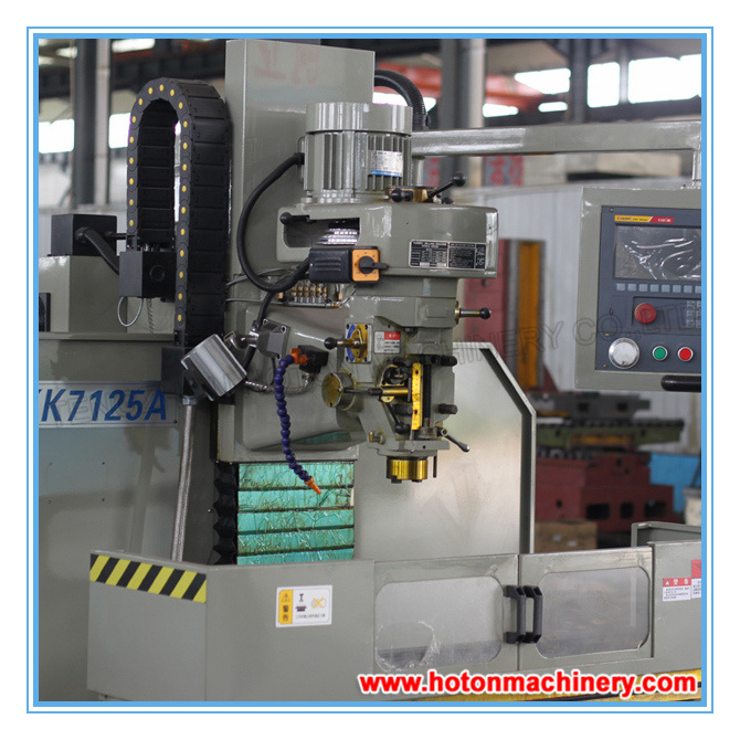 Universal CNC Metal Vertical Turret Milling Machine (CNC Milling XK7125A) pictures & photos